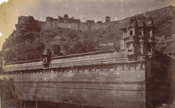 General view of the fort from below, Gwalior 10031420